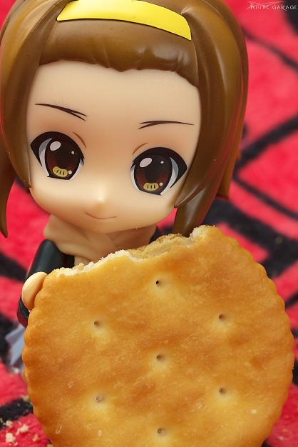 りっちゃん、リッツを食べるの巻